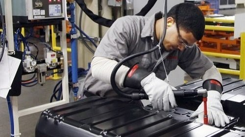 FIXING IT RIGHT THE FIRST TIME: WHAT IT TAKES TO BE A NISSAN TECHNICIAN